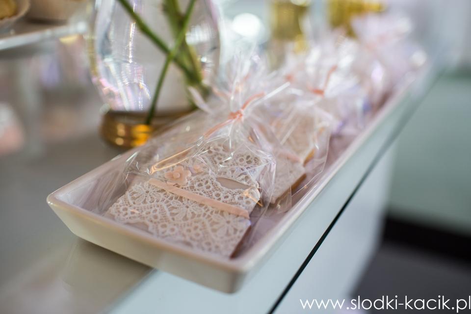 Słodki Kącik brzoskwinia , słodki stół, słodki bufet, candy bar, tort weselny, ciasto wesele, ślub, pavlova, ciasteczka, słodycze, lizaki, buteleczki, cakepop, cupcake,  popcor (2)