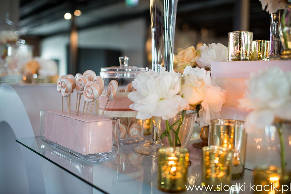 Słodki Kącik brzoskwinia , słodki stół, słodki bufet, candy bar, tort weselny, ciasto wesele, ślub, pavlova, ciasteczka, słodycze, lizaki, buteleczki, cakepop, cupcake,  popcor (9)