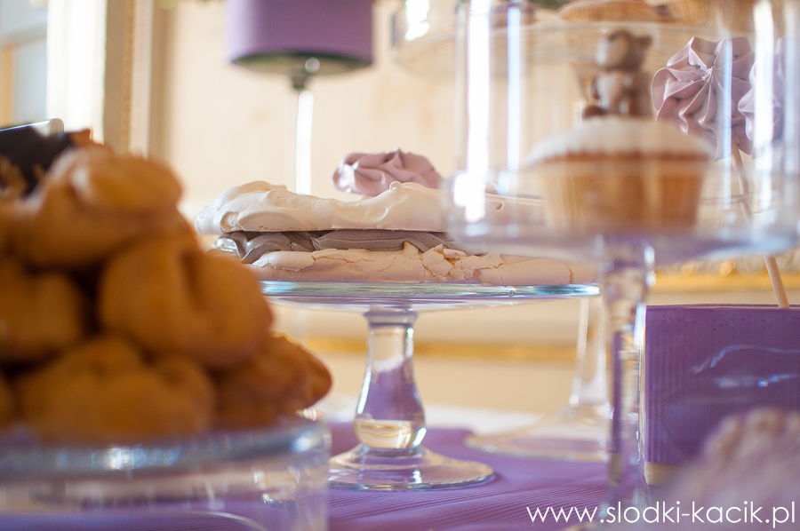 Słodki Kącik lawenda, słodki stół, słodki bufet, candy bar, tort weselny, ciasto wesele, ślub, pavlova, ciasteczka, słodycze, lizaki, buteleczki, cakepop, cupcake,  popcorn (3)