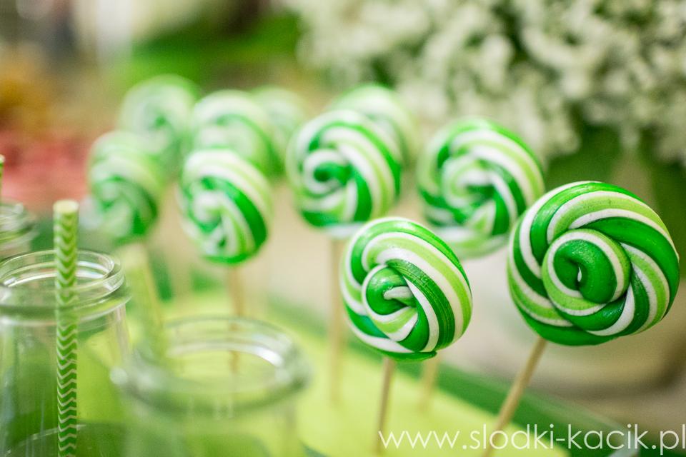 Słodki Kącik limonka, słodki stół, słodki bufet, candy bar, tort weselny, ciasto wesele, ślub, pavlova, ciasteczka, słodycze, lizaki, buteleczki, cakepop, cupcake,  popcorn (4)