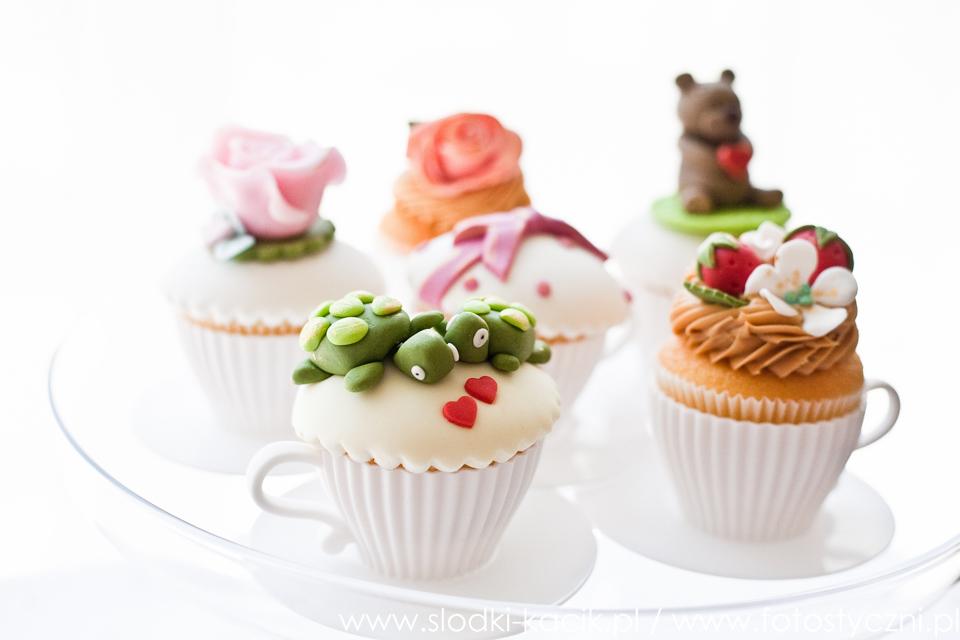 Słodki Kącik serce, słodki stół, słodki bufet, candy bar, tort weselny, ciasto wesele, ślub, pavlova, ciasteczka, słodycze, lizaki, buteleczki, cakepop, cupcake,  donut (1)