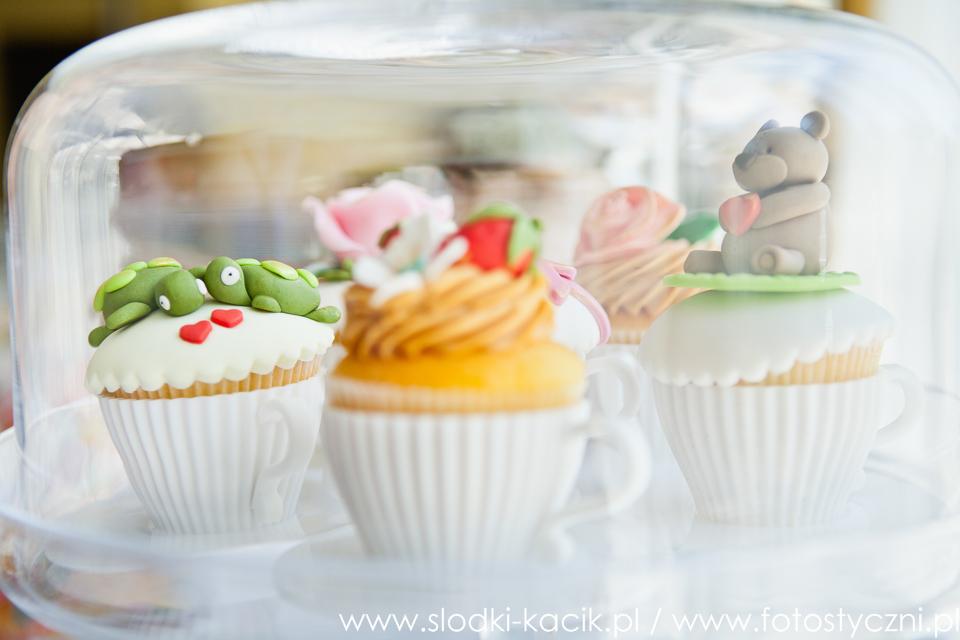 Słodki Kącik serce, słodki stół, słodki bufet, candy bar, tort weselny, ciasto wesele, ślub, pavlova, ciasteczka, słodycze, lizaki, buteleczki, cakepop, cupcake,  donut (3)