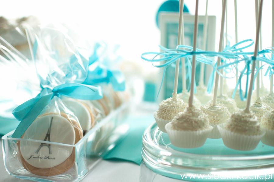 Słodki Kącik tiffany blue, słodki stół, słodki bufet, candy bar, tort weselny, ciasto wesele, ślub, pavlova, ciasteczka, słodycze, lizaki, buteleczki, cakepop, cupcake,  popcorn (7)